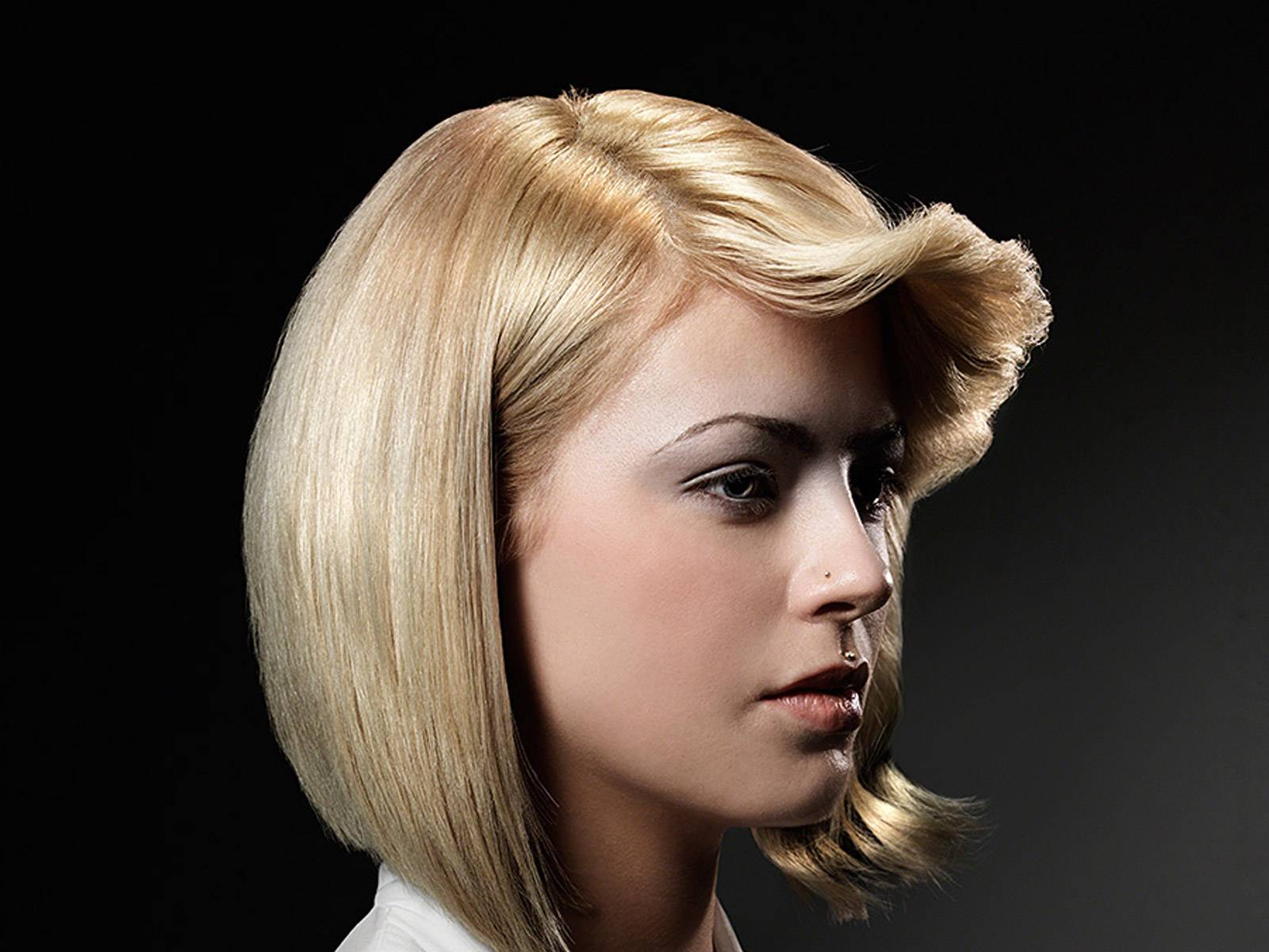 blonde-flick-fringe-model.jpg